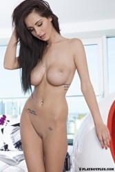 http://thumbnails109.imagebam.com/36096/4c7900360950478.jpg