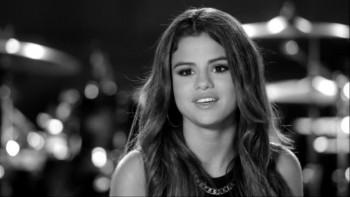Selena Gomez - Live Walmart Soundcheck 2013 480p