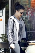 Kate Beckinsale Stops by Starbucks in Beverly Hills November 25-2014 x6