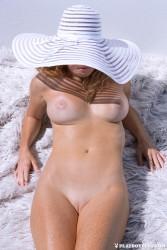 http://thumbnails109.imagebam.com/37227/7e73c8372262430.jpg