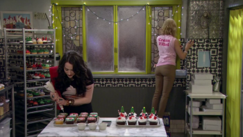 Beth Behrs - 2 Broke girls - S4E7 - Butt Shot (1)