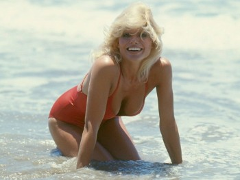 Loni Anderson: Red One Piece: Her Sexiest Pic Ever ? HQ x 1