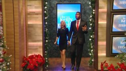 Kelly Ripa - Live! With Kelly and Michael - December 15, 2014 (720p caps)