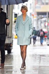 Taylor Swift - Out in NYC 12/24/14
