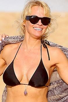 Pamela Anderson in a Bikini in Maui 12/24/14 - Celebrity