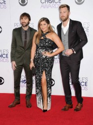 Hillary Scott at 41st Annual People's Choice Awards