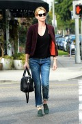 Charlize Theron Out for lunch at Terronis in Los Angeles January 9-2015 x8