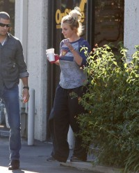 Britney Spears - Leaving a dance studio in Thousand Oaks 1/15/15