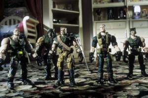 Солдатики / Small soldiers (1998) Кирстен Данст , Томми Ли Джонс (голос) 0a79f6383637359