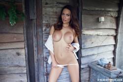 http://thumbnails109.imagebam.com/38430/7d71d7384290480.jpg