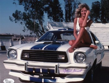 Farrah Fawcett: Looking Happy On Her Mustang - HQ x 1