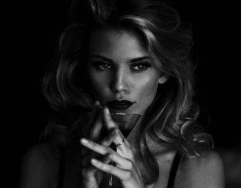 Annalynne McCord - Cute Colored Picture - x 1