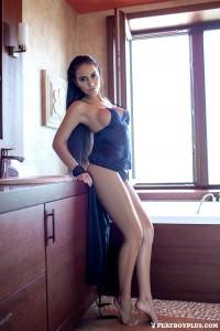 http://thumbnails109.imagebam.com/39840/8e9665398396240.jpg