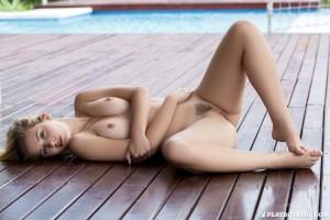 http://thumbnails109.imagebam.com/40040/d12cc9400397231.jpg
